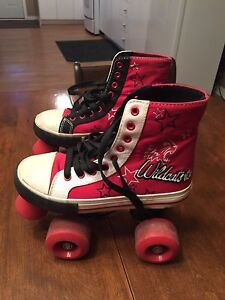 Youth roller skates size 13