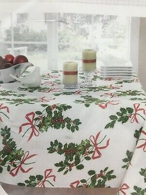 "Vera Table Linen Christmas Holly Print Tablecloth Oblong 102"" X 60"" New"