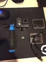 Go pro hero with go pole and 32 gb micro sd