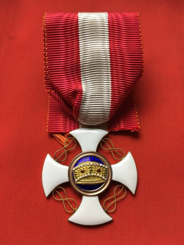 ORDER OF THE CROWN OF ITALY KINGDOM Medal, Cross  , GOLD, WW 1