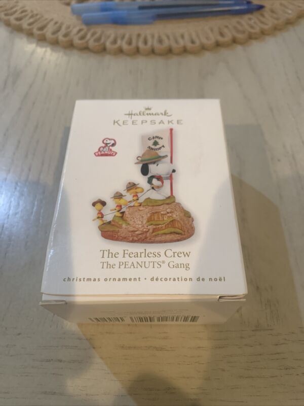 Hallmark Ornament Beagle Scout The Fearless Crew Snoopy Woodstock Hiking Peanuts