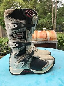 Fox comp 5 motocross boots - Youth size 4 Tingira Heights Lake Macquarie Area Preview