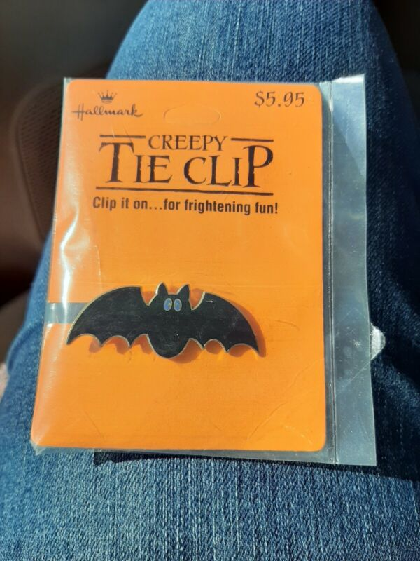 Vintage Hallmark Halloween Tie Clip Bat Spooky Creepy New On Card