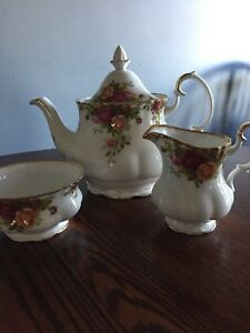 OLD COUNTRY ROSES Teapot set