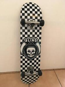 Skateboard (Blind) only skated from shop to car, almost new.