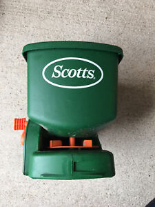 EXCELLENT CONDITION SCOTTS SEED AND FERTILIZER APPLICATOE