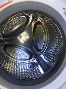 Flattop Frigidaire stove/front load washer