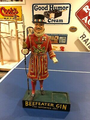 Vintage Beefeater Gin Statue Man Figure Bottle Holder Bar Display w/ Spear Pike
