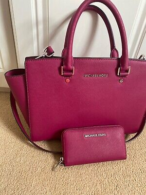 Michael kors large selma bag and Matching Purse In Raspberry