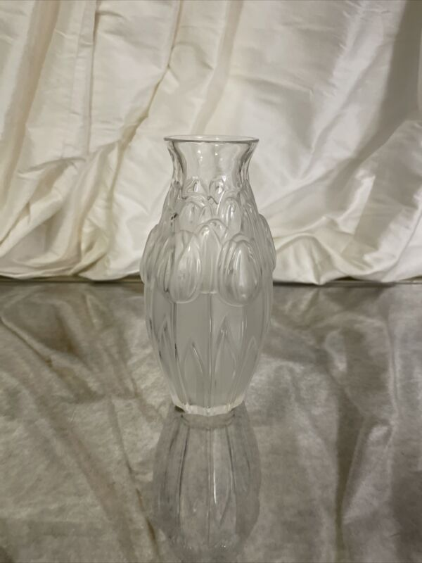 Lalique Vase With Tulips Authentic.