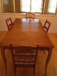 Dinning Table With Buffet