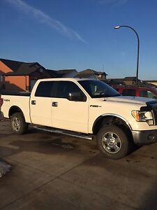 2009 Ford F-150 supercrew XLT low km 4x4