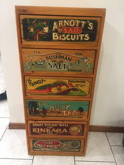 Country style drawers