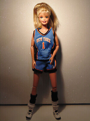 Barbie New York Knicks NBA Basket 1998 Doll with original outfit