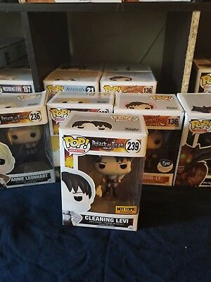 Funko Pop - Attack On Titan - Cleaning Levi #239 Exclusive hot topic