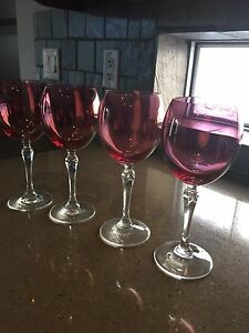 Set of 4 Rose wine glasses