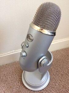 Blue Yeti Microphone (needs repair)