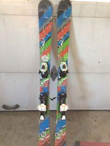 Skis twin tip pour jeune