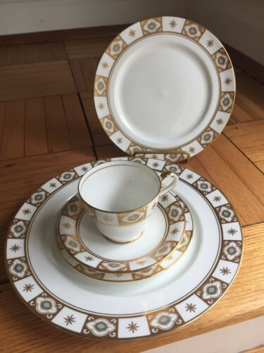 AYNSLEY BELMONT 129 FIVE PIECE PLACE SETTING