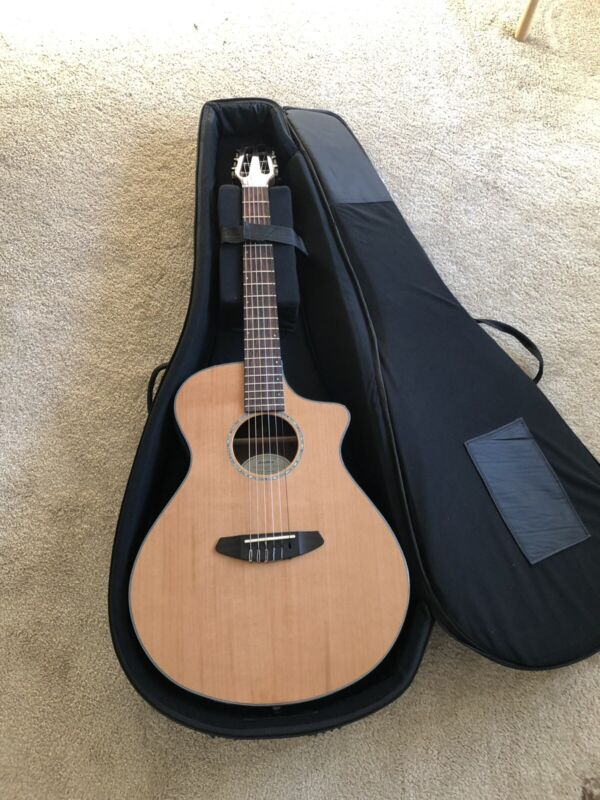 Breedlove Solo Concert CE NY Acoustic-Electric Guitar