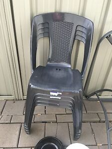 6 plastic outdoor chairs NEED GONE ASAP Salisbury North Salisbury Area Preview