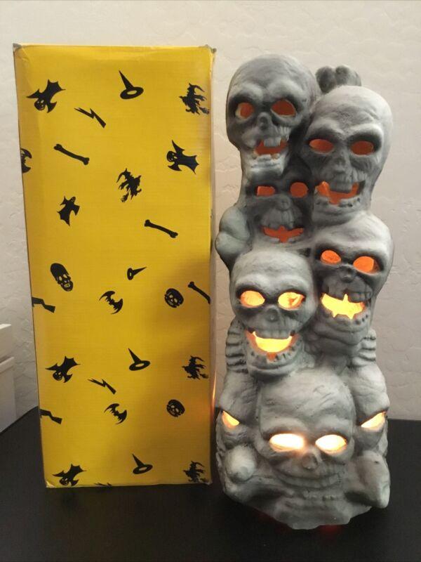 "Skull Tower 18"" Halloween Light-Up Skeleton Stack Trendmasters 1993 Lighted Prop"