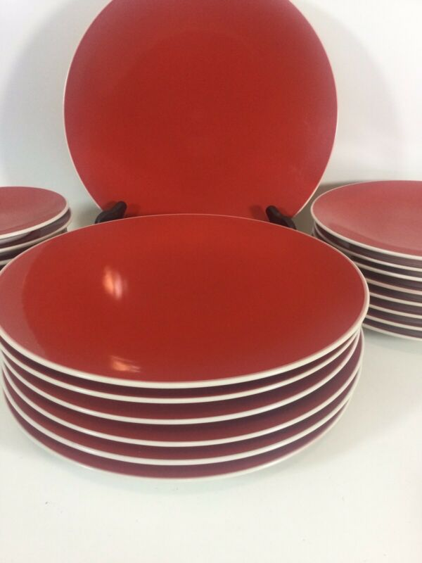 Crate & Barrel Lisbon Dinner Plates, Salad and Dessert Plates discontinued A++++