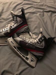 Bauer Vapor X2.0 size 10.5D used 2 or three times like new