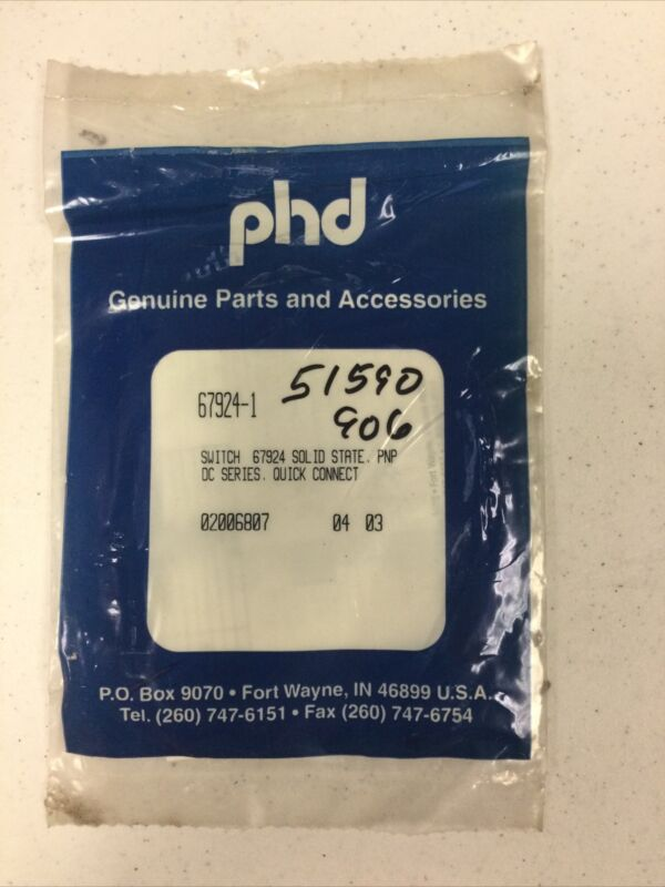 New PHD 67924-1 Solid State Proximity Switch Sensor PNP DC Series 4mm 4.5-30VDC