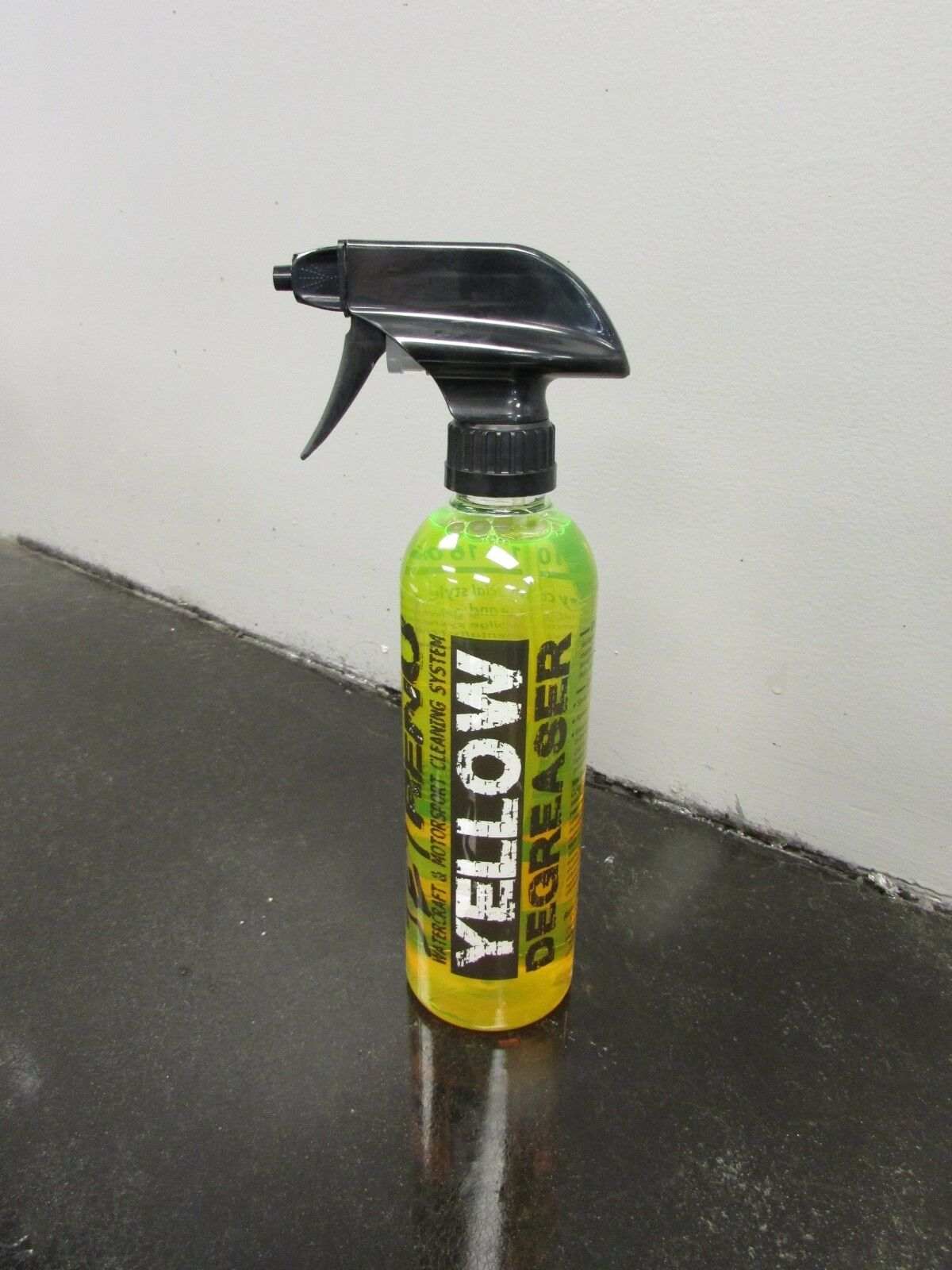 "Jet Renu ""Yellow"" Heavy Duty Degreaser 16 oz. with spray nozzle"