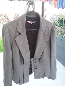 WARDROBE CLEAR OUT   BNWOT  Review  Suit Heathwood Brisbane South West Preview