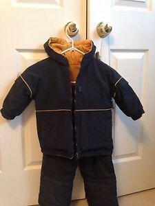 Navy blue snowsuit size 2-3