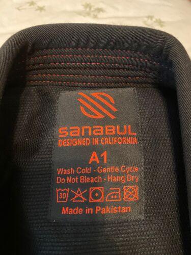 Sanabul Essentials Version 2 Ultra Light BJJ Jiu Jitsu Gi wi