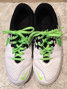 Nike indoor soccer shoes Y4