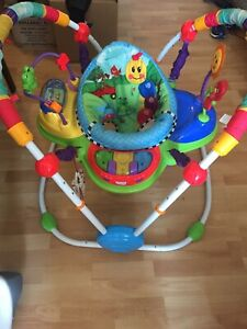 Baby activity play bouncer