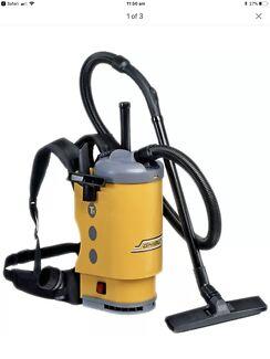 2x Vacuum cleaner back packs