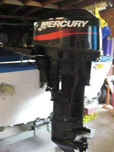 25HP 2 stroke Mercury Outboard-Excellent condition
