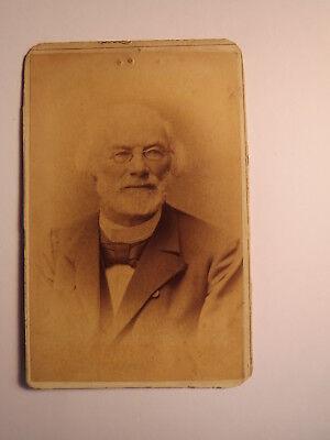 Zittau - alter Mann mit Bart & Brille im Anzug - Portrait / CDV