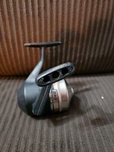 Vintage Zebco Omega 154 Gold Under Spin Trigger Reel Made In USA