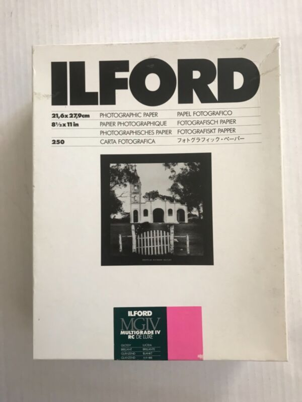 """Ilford Multigrade IV RC DeLuxe Paper (Glossy, 8.5 x 11"""", 250 Sheets) 1770496"""