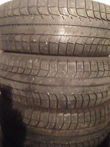 4-235/60R18 X-ICE Michelin