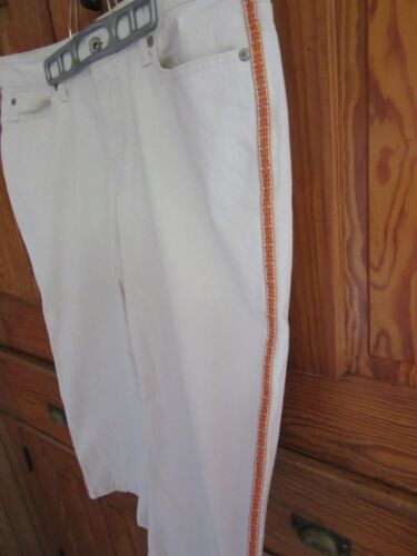 NWOT Women's Sz 10 SONOMA LIFE & STYLE Ivory Stretch Capri; side leg trim