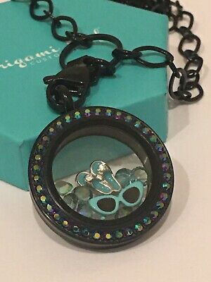 Origami Owl large twist locket with crystals. What would your ... | 400x300