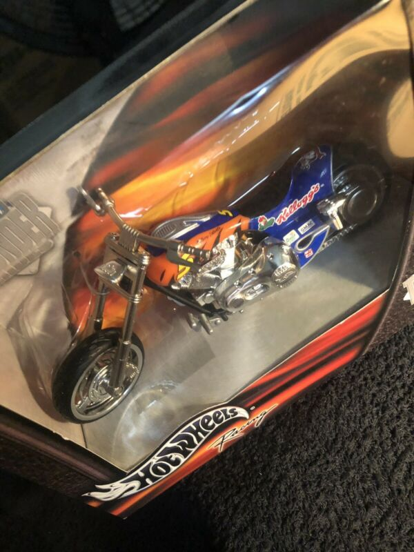2002 HOT WHEELS THUNDER RIDES FROSTED FLAKERS/ 55727