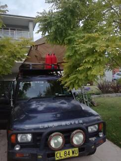 Land Rover Discovery with Rooftop Tent