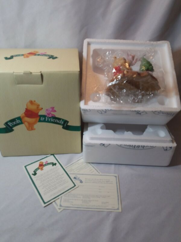 Disney Pooh and Friends One Little Star Makes A Difference Christmas Figurine