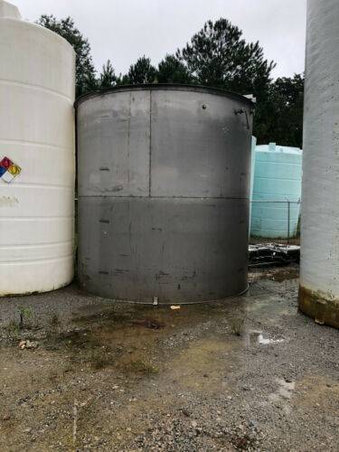 Stainless Steel Approx. 10000 Gal. Tank With Mixer, Motor, Gear Box Used