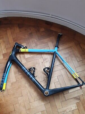 Carbon road bike frame XL