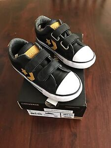 Boys shoes size 10 Converse Scarborough Stirling Area Preview