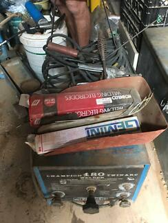 champion 180 twin arc 240v stick welder